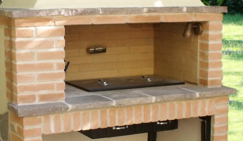 Fratelli giannini realizzazione barbecue artigianali for Prezzi mattoni refrattari leroy merlin